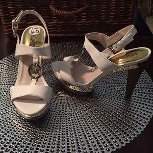Michael Michael Kors white leather sandals 6.5